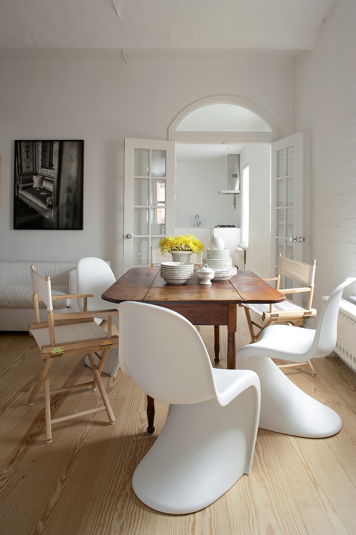 magdalena-keck-greenwich-village-pied-a-terre-dining-area